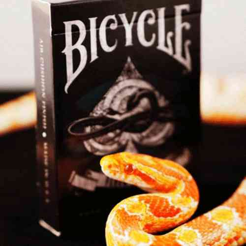 VENOM STRIKE DECK (ORIGINAL BICYCLE) OUT OF PRINT!!!